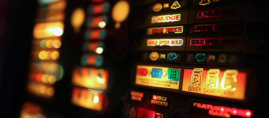 You might know slot machines from online casino websites or casinos like the ones in LAs Vegas. We don't have as many different machines to choose from. But hte slot machines at Pub & Sport are fun to play if you want to have a good time.